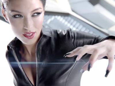 Rebecca Mir – Superhero